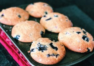 6 Blueberry Muffins in Tin